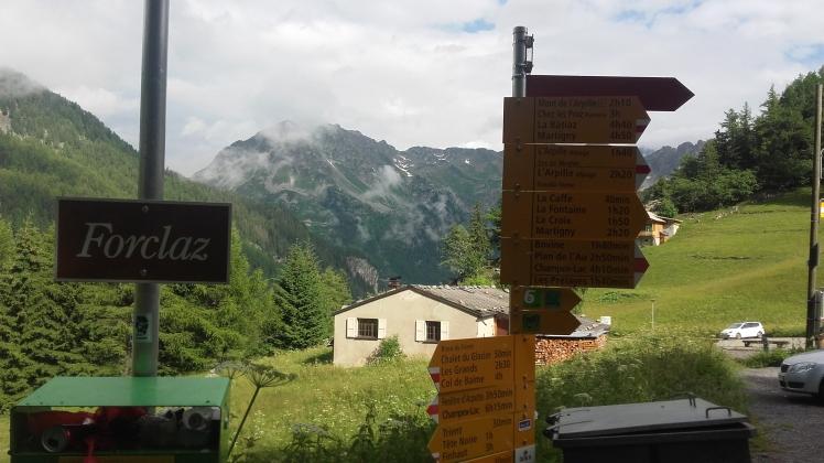VILLAGE DE LA FORCLAZ/ VALAIS (Suisse) 1527m