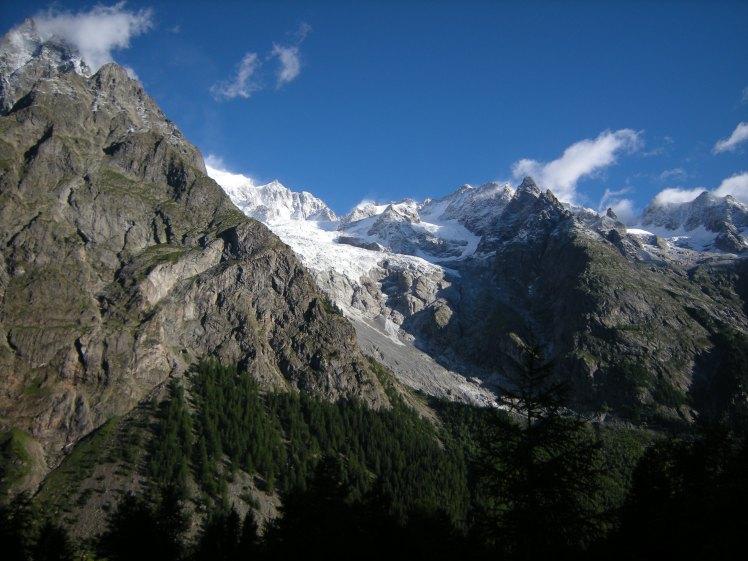 vue sur la massif du Mont-Blanc depuis COURMAYEUR